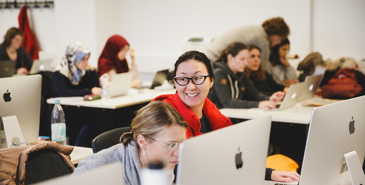 Studentinnen an Computern