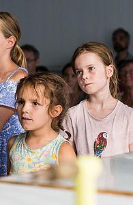 Kinder im Publikum